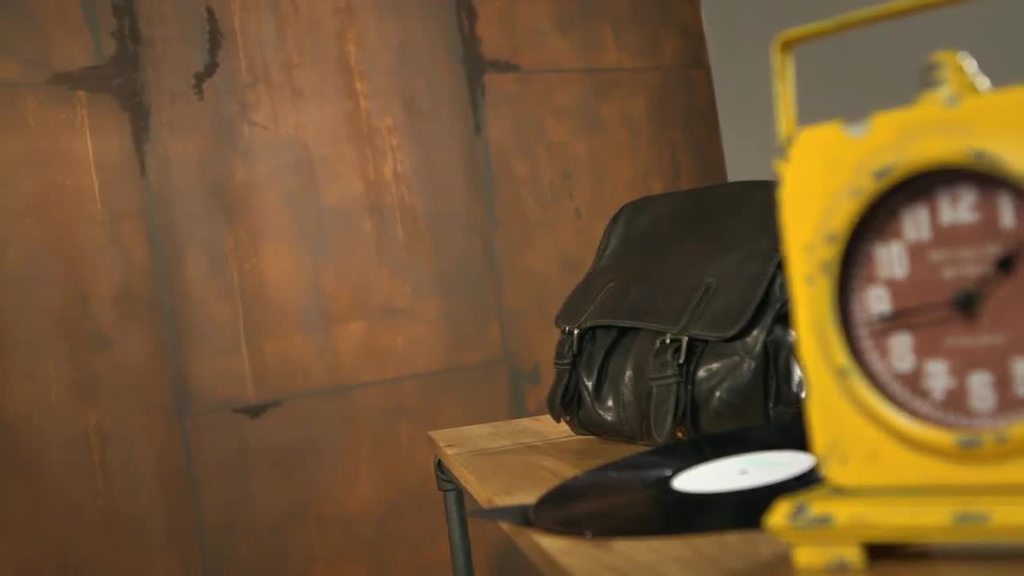 Creativ Tenero 84 w technice z efektem rdzy pozwala na realizację dekoracji wnętrz o charakterze loftu w stylu vintage. Niezależnie od tego, czy dekoracje wykonywane są na mniejszych fragmentac h powierzchni czy większych – rustykalny charakter powłoki zachwyca w połączeniu z jej aksamitnym wykończeniem. Powierzchnie stają się prawdziwą atrakcją i ozdobą wnętrza.