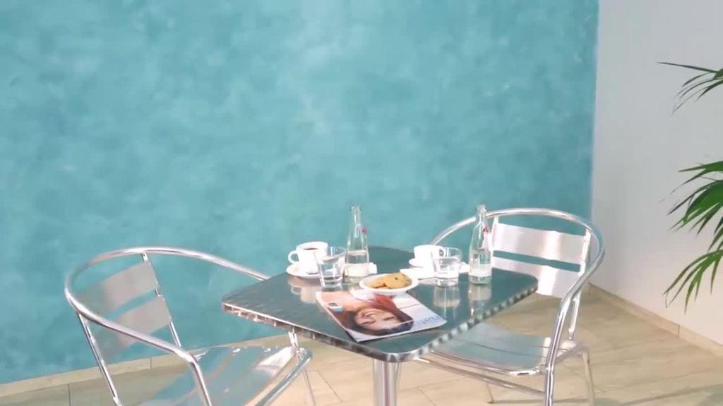 mit Creativ Algantico 70 für glatte, farbig changierende, zusammenhängende Oberflächen mit feinem Marmorcharakter
