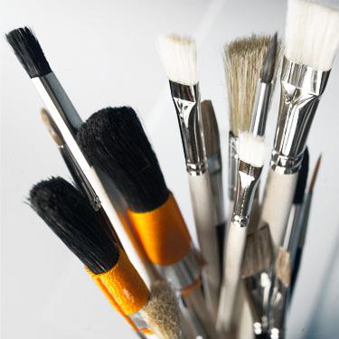Werkzeuge und Malerzubehör